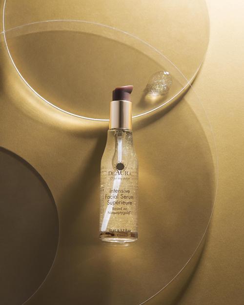 Sức mạnh tổ hợp Niacinamide và vàng 24k, muối khoáng Biển Chết trong một sản phẩm của DeAura