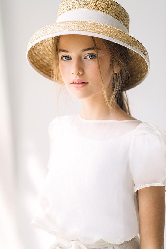Vẻ đẹp của mẫu Nga 15 tuổi