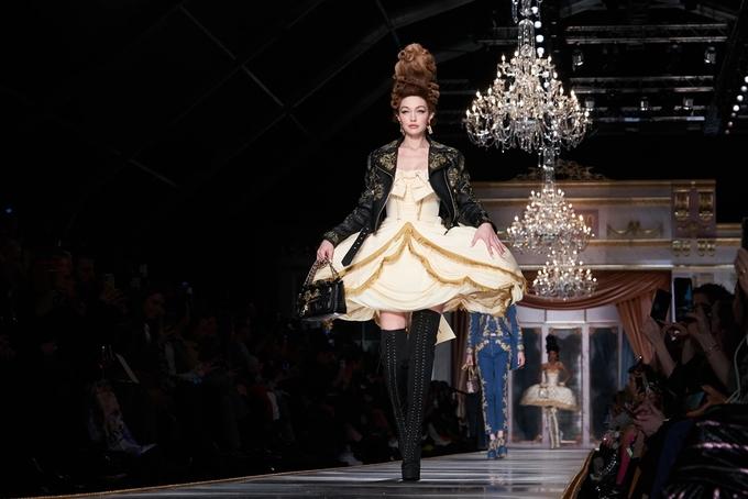 Tinh thần quý tộc Pháp trong show Moschino