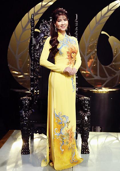 Kha Ly làm giám khảo cuộc thi Solo cùng bolero mùa sáu. Ảnh: Anh Châu.