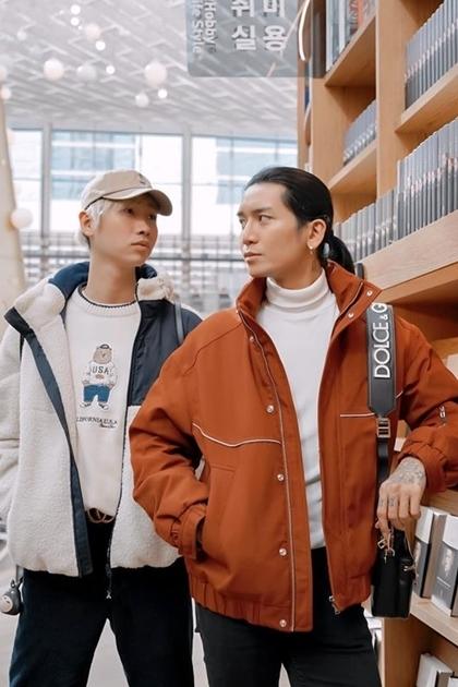 BB Trần và Hải Triều (trái) tại Hàn Quốc.