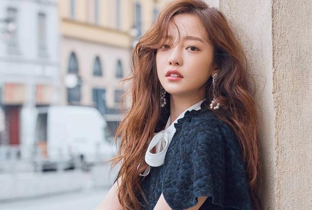 Ca sĩ Hàn Quốc Goo Hara. Ảnh: Elle.