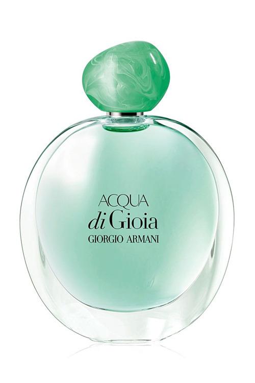 Giorgio Armani Acqua Di Gioia với hương thơm tươi trẻ, thanh mát của vùng biển Địa Trung Hải, làm dịu mát tiết trời oi bức của mùa hè. Sản phẩm có giá 58 USD (hơn 1,3 triệu đồng). Ảnh: Courtesy Image.
