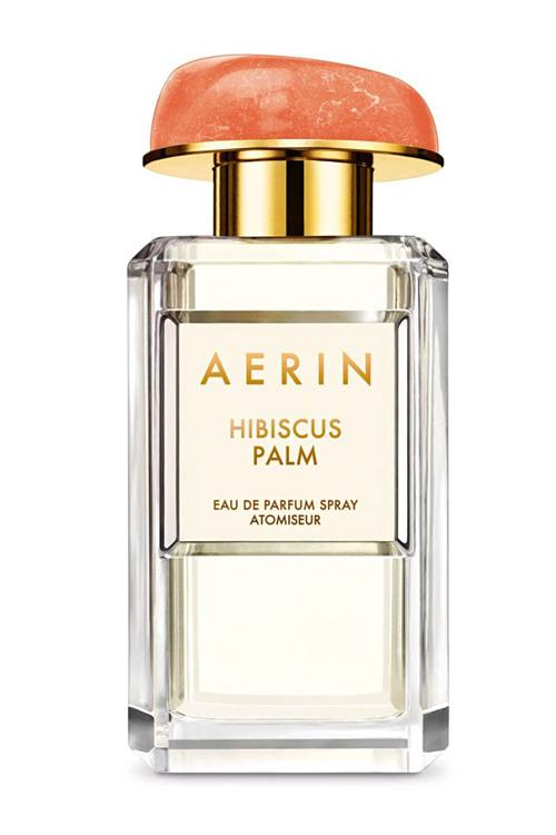 Nếu yêu thích mùi hương nồng nàn của miền nhiệt đới, Aerin Hibiscus Palm với hương hoa sen hòa quyện hibiscus là gợi ý cho. Sản phẩm có giá 180 USD (gần 4,2 triệu đồng). Ảnh: Abby Silverman.