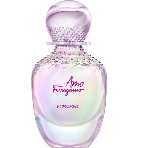 Amo Ferragamo Flowerful của Salvatore Ferragamo được Cosmopolitan ví như chứa cả rừng hoa với hương mẫu đơn, nhài và hoa mận, mang đến sự sinh động, mới mẻ mà không khiến người dùng bị ngợp hương. Thiết kế có giá 108 USD (khoảng 2,5 triệu đồng). Ảnh: Escentual.