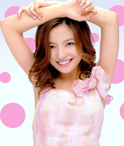 Sau phim này, Triệu Vy lấn sân lĩnh vực ca hát. Những bài hát cô thể hiện trong Hoàn Châu cách cách như Có một cô gái, Không thể chia tay anh... gây sốt một thời.