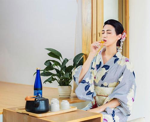 82X trở thành thức uống làm đẹp mỗi ngày của nhiều phụ nữ Nhật.