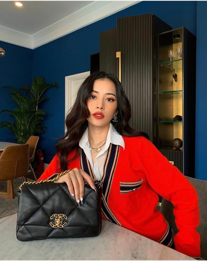 Túi Chanel 19 thu hút nhiều tín đồ thời trang - 3