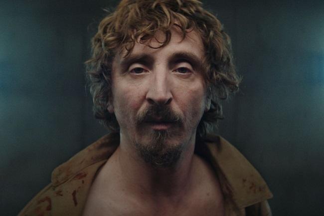 Iván Massagué được khen ngợi với vai chính. Ảnh: Netflix.