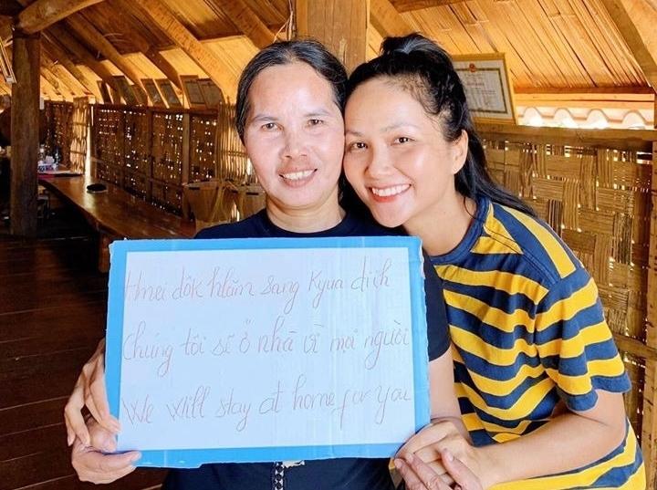 Sao Việt khoe ảnh ở nhà mùa dịch - 4