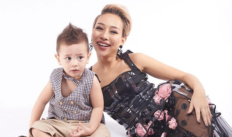 Thảo Trang bên con trai - Alex (hơn ba tuổi). Ảnh: Nhân vật cung cấp.
