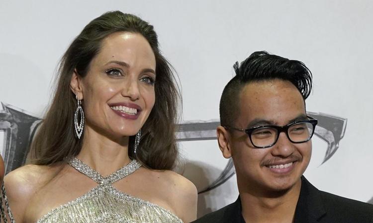 Con trai Angelina Jolie rời Hàn Quốc vì dịch