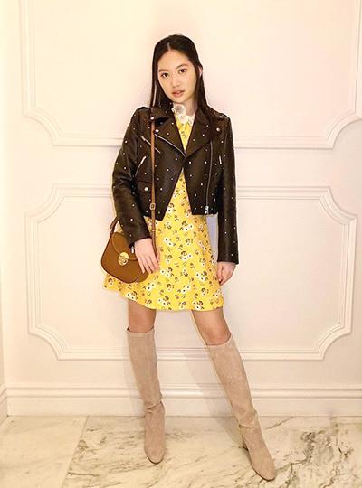 Tế Như trong trang phục của Miu Miu.