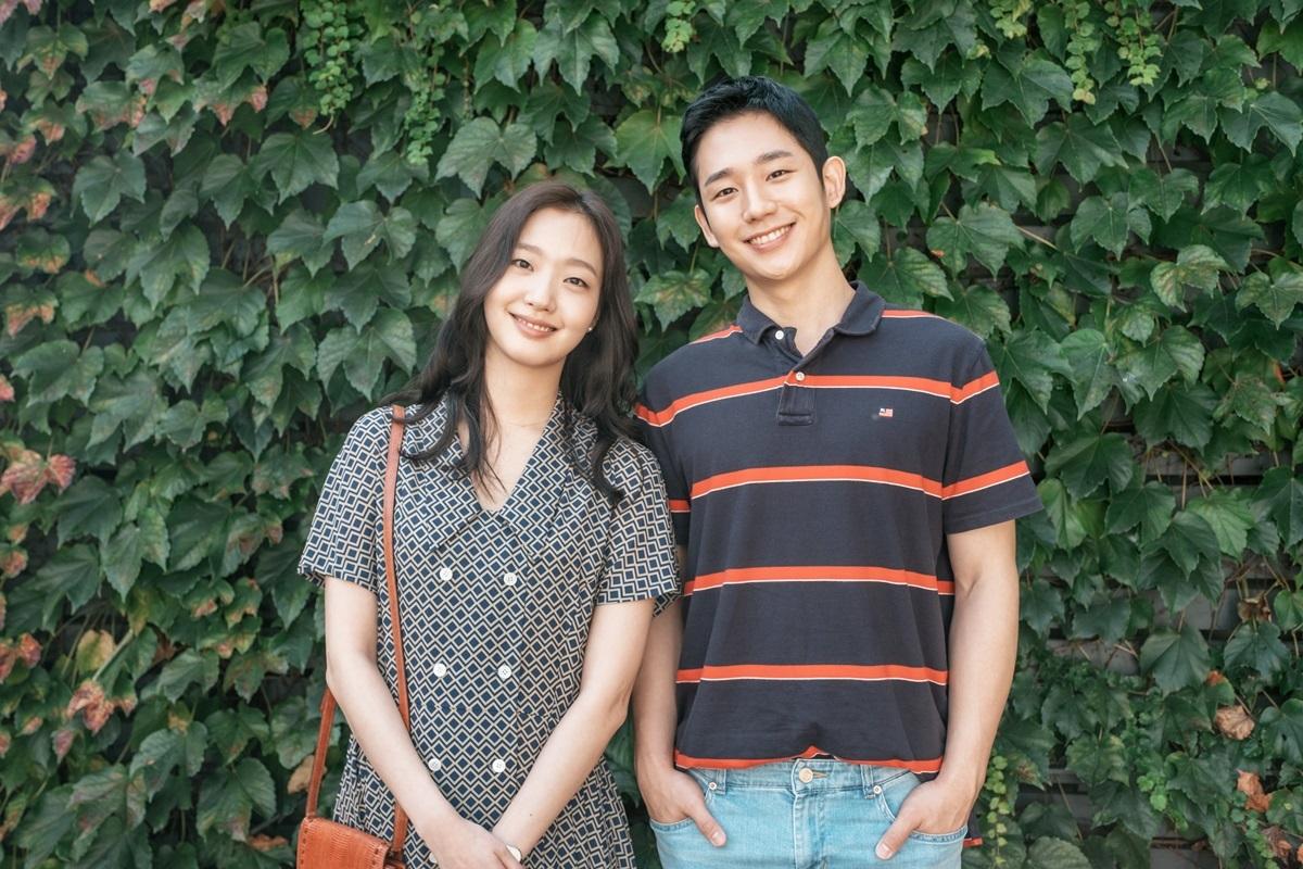 Năm 2019, Go Eunđóng cặp tài tử Jung Hae In trong phim điện ảnh Giai điệu tình yêu (Tune in for love), xoay quanh mối tình sét đánh củaMi Soo - cô gáilàm việc bán thời gian tại một tiệm bánh và chàng trai mang trong mình hòa bão lớn. Biến cố khủng hoảng kinh tế tài chính năm 1997 khiến họ chia cắt nhưng trái tim vẫn hướng về nhau.