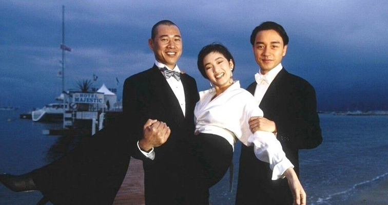 Từ trái sang: Trương Phong Nghị, Củng Lợi và Trương Quốc Vinh khi tới Cannes dự liên hoan phim năm 1993. Ảnh: Mtime.