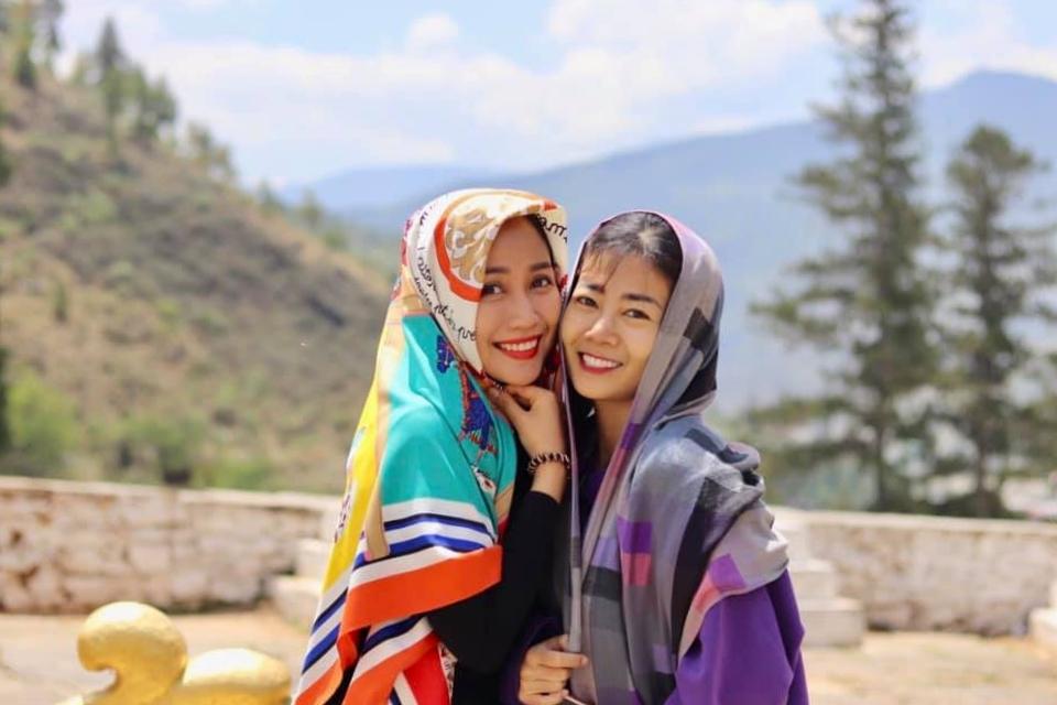Nếu Bảo Như luôn lo lắng khi Mai Phương muốn đi chơi xa thì Thanh Vân lại chiều chuộng em gái, muốn hoàn thành mọi tâm nguyện của cô. Dịp 30/4 năm ngoái, Thanh Vân nhờ chồng ở nhà trông con, còn mình đưa Mai Phương và Lavie đi du lịch Bhutan.