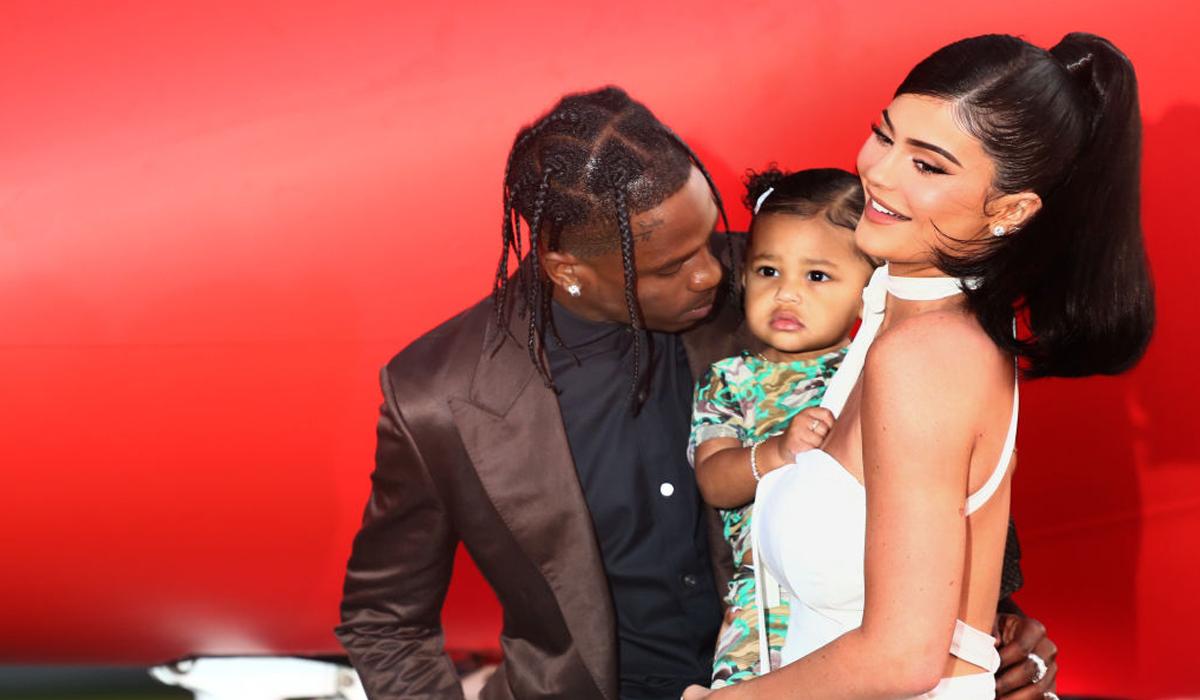 Đời sống tình ái của tỷ phú tự thân Kylie Jenner - 2