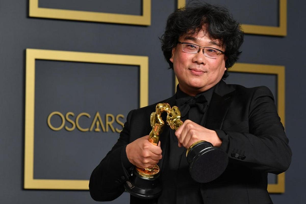 Đạo diễn Bong Joon Ho tại lễ trao giải Oscar 2020. Ảnh: Slate.