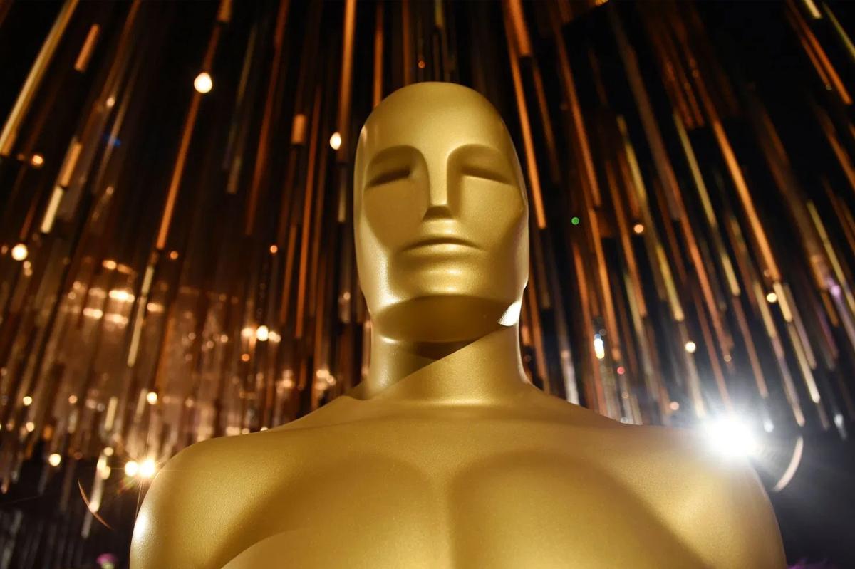 Tượng Oscar bản lớn tại nhà hát Dolby, thành phố Los Angeles. Ảnh: Invasion.