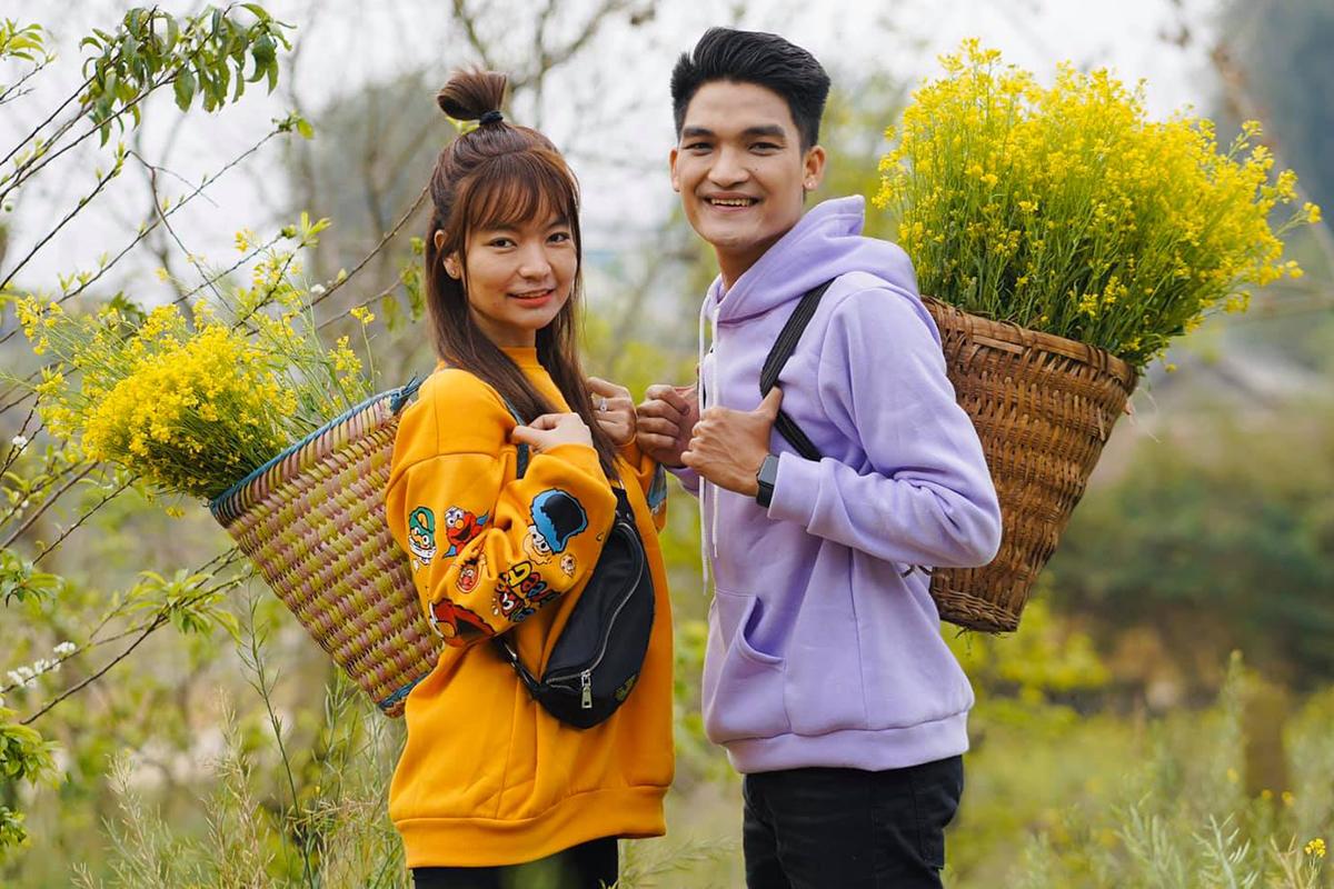 Mạc Văn Khoa và bạn gái du lịch ở Sơn La hồi tháng 2. Ảnh: Vy Pumpe.