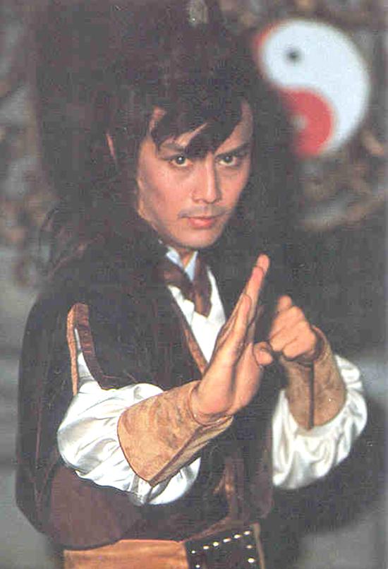 Tạo hình Lưu Đức Khải trong bản do Đài Loan sản xuất năm 1984. Các màn đấu võ của tài tử không được đánh giá cao, phiên bản này cũng không tạo được tầm ảnh hưởng như các phim do Hong Kong sản xuất.