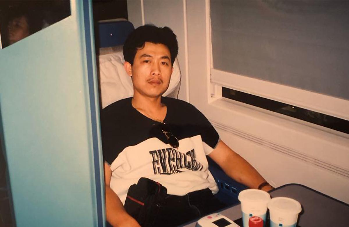 Vân Sơn năm 1992, khi còn làm diễn viên lồng tiếng. Ảnh: Vân Sơn.