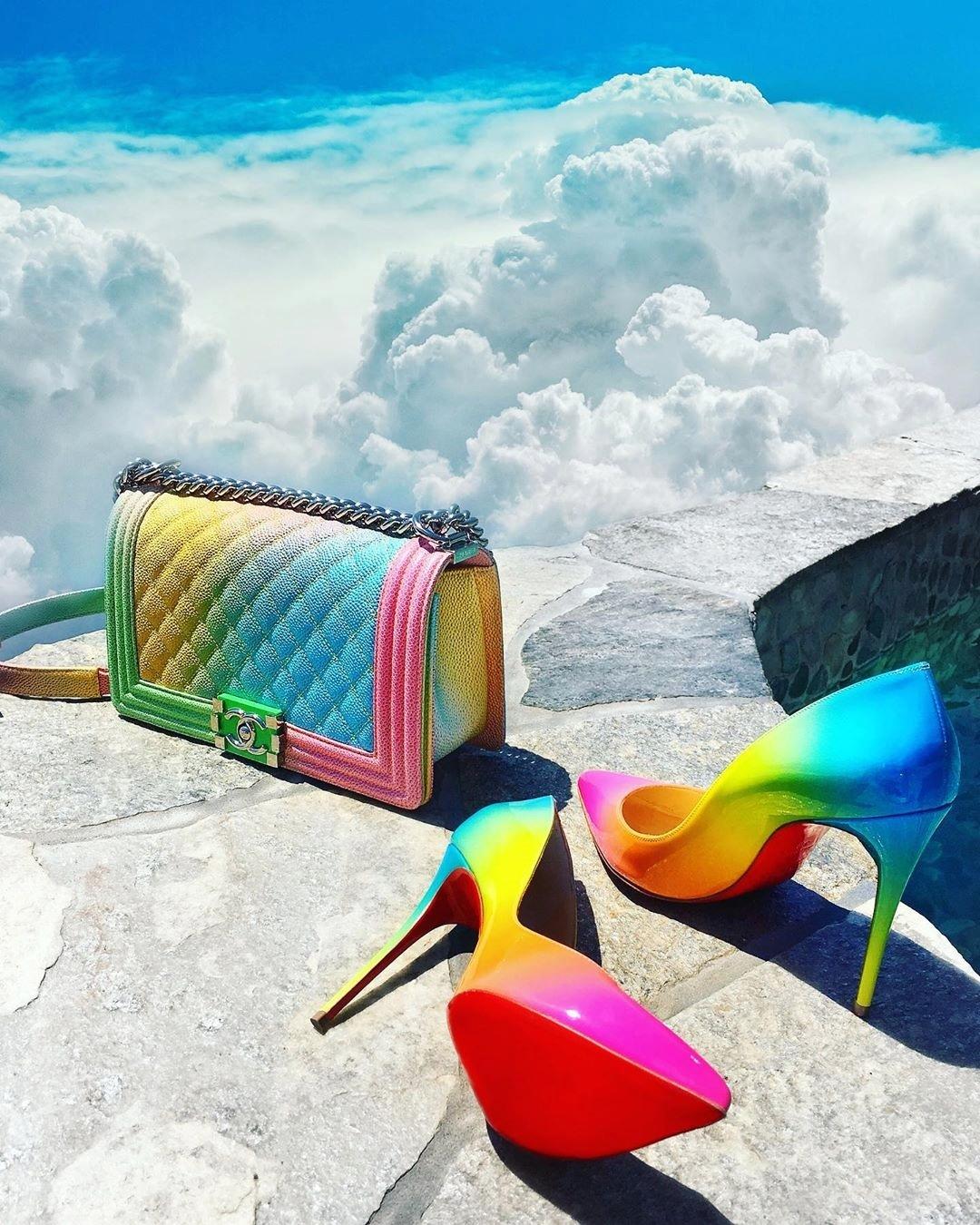 Tủ giày, túi ton sur ton của fashionista giấu mặt