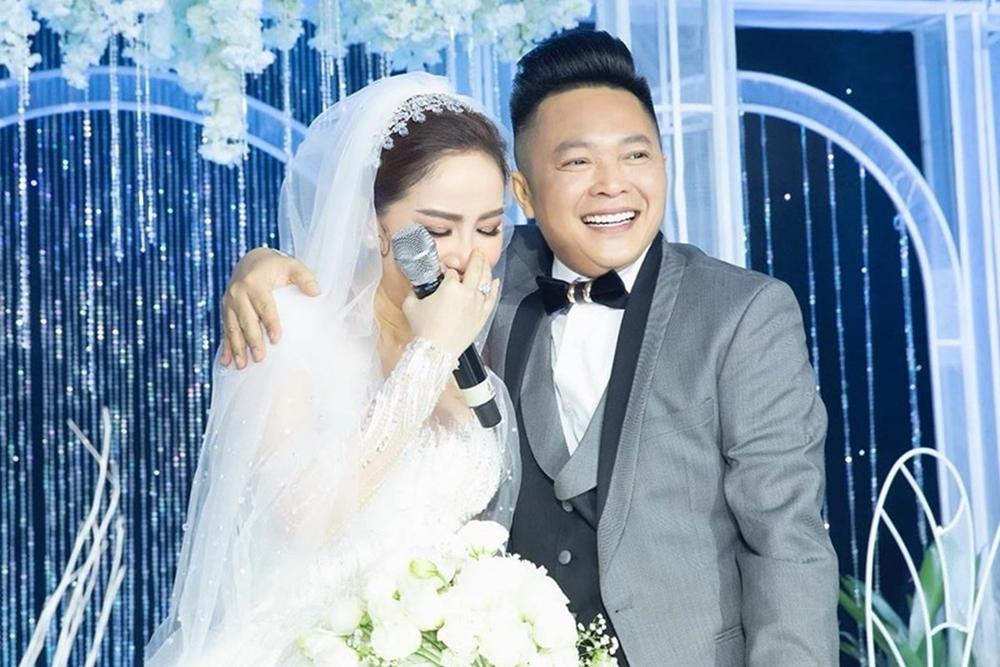 Bảo Thy kết hôn tháng 11/2019 cùng doanh nhân Phan Lĩnh. Người đẹp cho biết ở tuổi 30, cô có thể làm chủ kinh tế và mua được bất cứ thứ gì mình muốn. Ca sĩ quyết định lên xe hoa vì chồng mang đến cho cô cảm giác an toàn, bình yên.