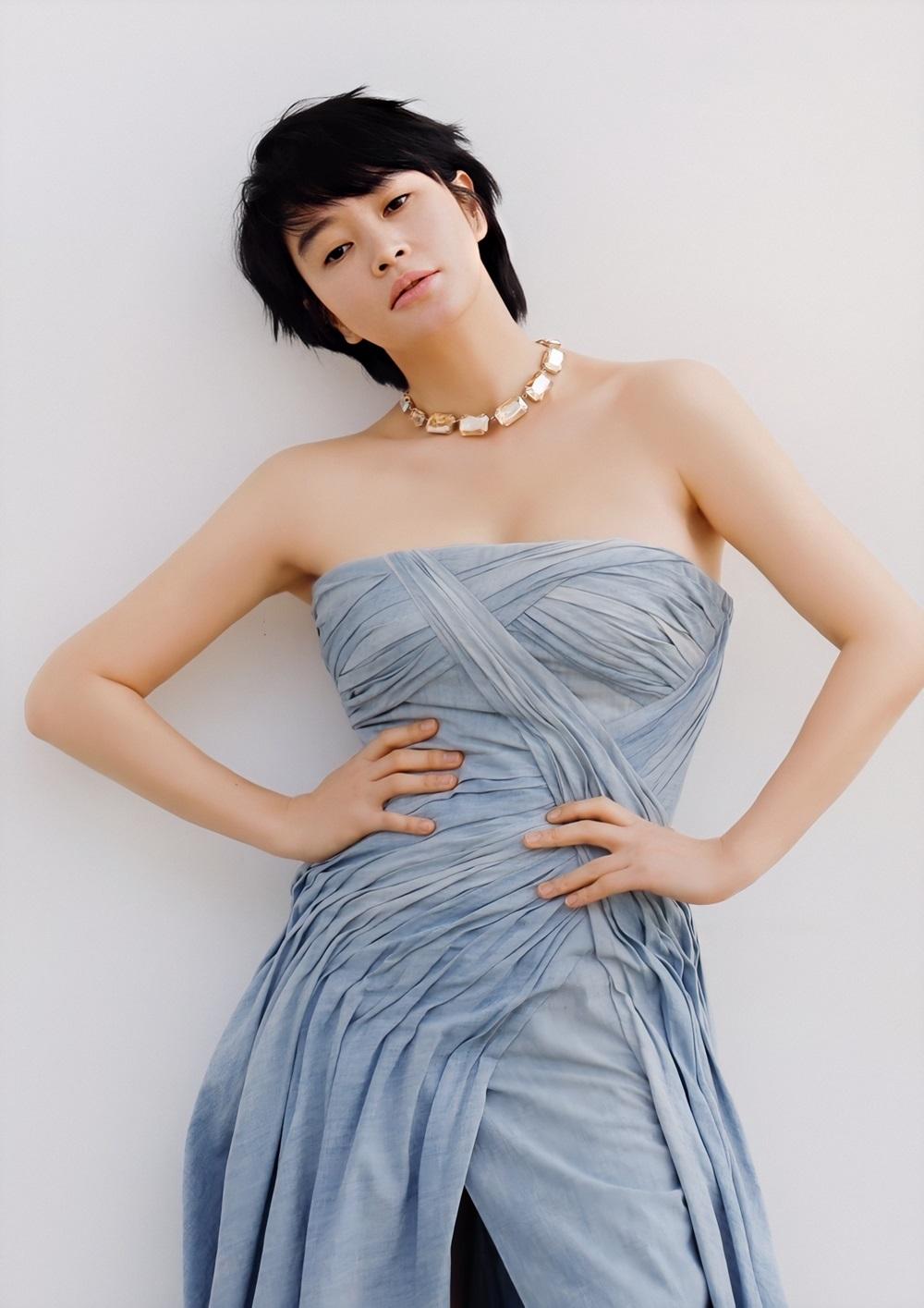 Sắc vóc Kim Hye Soo tuổi 50 - 4