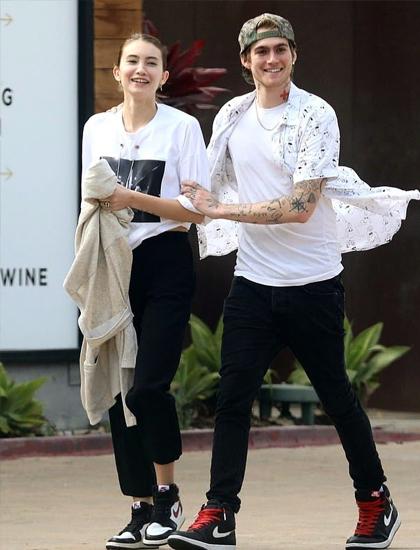 Presley Gerber và bạn gái cùng đi làm hàng ngày. Ảnh: Instagram.