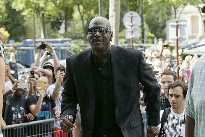 Michael Jordan xây dựng gia tài khổng lồ từ những hợp đồng tài trợ kếch xù. Ảnh: Reuters.