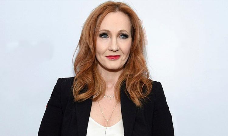 Nhà văn J.K. Rowling dự ra mắt phim tài liệu Finding the Way Home về bà ở New York năm 2019. Ảnh: Invasion.