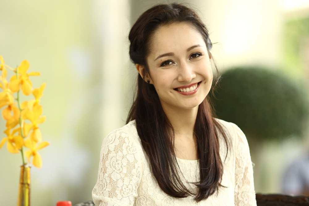 Nét đẹp lai với chiều cao 1,72 m, Anna Trương từng nhiều khán giả kỳ vọng trở thành giọng ca tiềm năng trong làng nhạc. Tuy nhiên, năm 2013, cô du học, theo đuổi ngành sản xuất âm nhạc. Năm 2017, cô tốt nghiệp Berklee College of Music - trường nhạc danh tiếng ở Boston, Mỹ. Sau đó, cô làm việc cho một phòng thu của Hollywood.