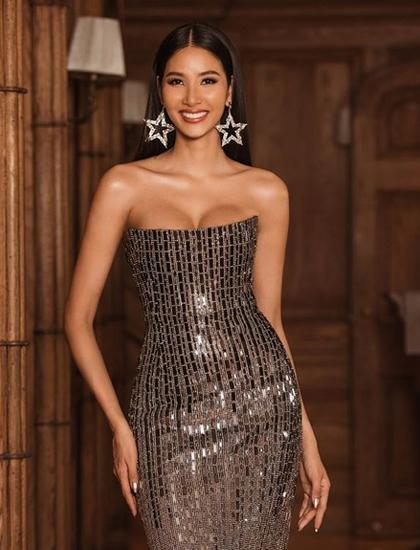 Hoàng Thùy tại Miss Universe 2019. Ảnh: Instagram.