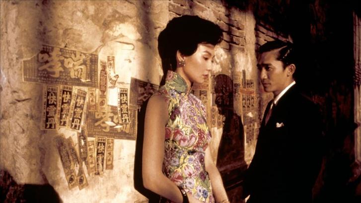 Hình ảnh Trương Mạn Ngọc (trái) và Lương Triều Vỹ (phải) trong phim. Ảnh: IMDB.