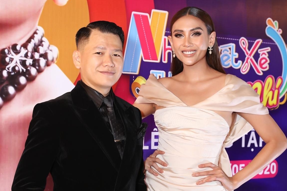 Võ Hoàng Yến và huấn luyện viên, nhà thiết kế Hoàng Minh Hà.