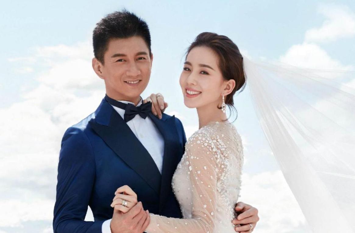 Vợ chồng Lưu Thi Thi, Ngô Kỳ Long. Ảnh: Sina.