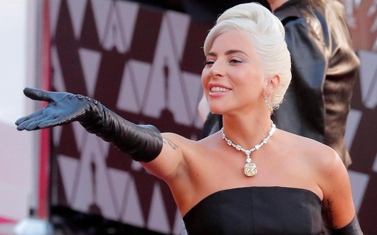 Lady Gaga là người đầu tiên đeo viên kim cương nổi tiếng nhất thế giới đến một lễ trao giải. Ảnh: Reuters.