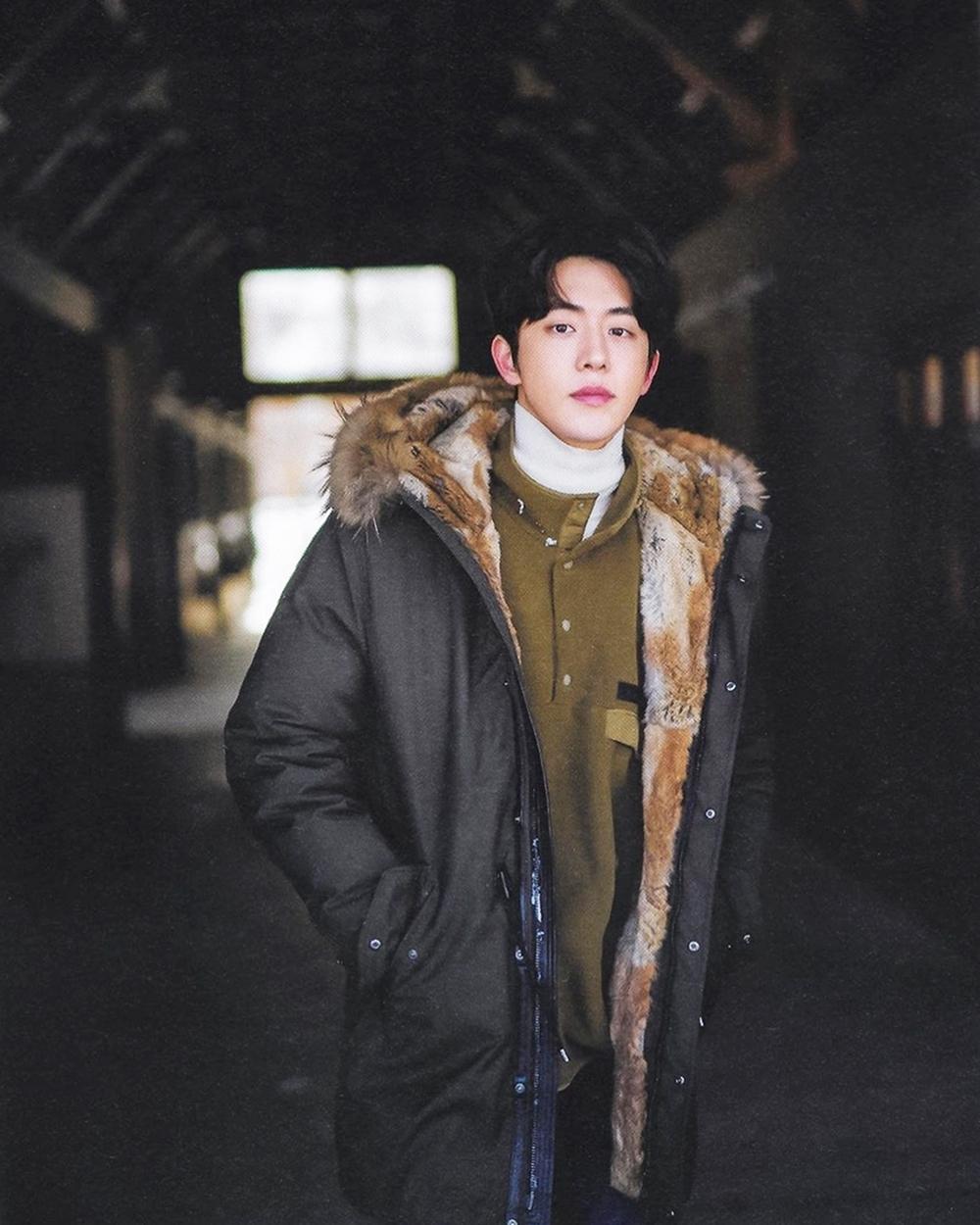 Nam Joo Hyuk sinh năm 1994, từng đóng Mỹ nhân ngư,School 2015,Bẫy tình yêu, Người tình ánh trăng,Tiên nữ cử tạ Kim Bok Joo...