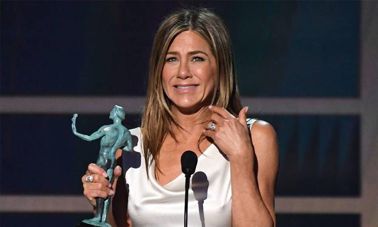 Jennifer Aniston nhận giải Nữ chính truyền hình xuất sắc tại SAG hồi đầu năm. Ảnh: AFP.