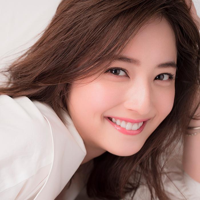Nozomi Sasaki có lượng fan đông ở châu Á nhờ vẻ đẹp tươi sáng. Ảnh: Et.