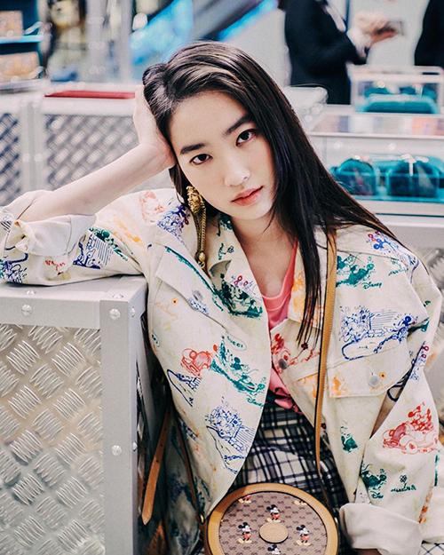 Nhan sắc tuổi 20 của con gái diễn viên Bao Thanh Thiên - 12