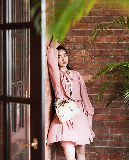 Nhan sắc tuổi 20 của con gái diễn viên Bao Thanh Thiên - 8