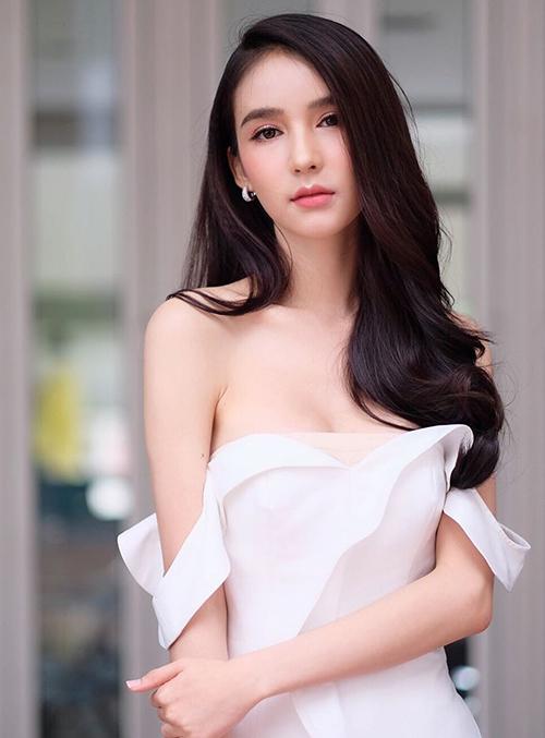 Hoa hậu chuyển giới Thái Lan mặc tôn dáng - 2