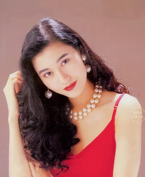 Nhan sắc Hoa hậu đẹp nhất Hong Kong qua 32 năm - 4