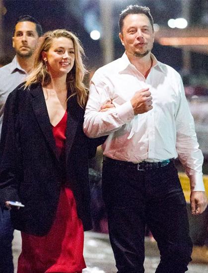 Elon Musk thăm Amber Heard tại phim trường Aquaman. Ảnh: Backgrid.