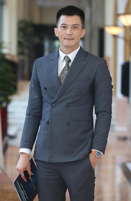 Diễn viên Hà Việt Dũng đóng vai Cường trong phim. Ảnh: VFC.