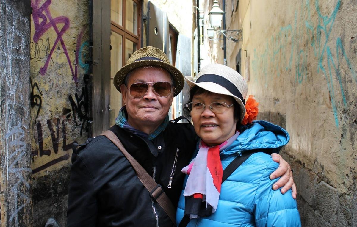 Trước khi phát bệnh, nghệ sĩ cùng vợ đi du lịch nhiều nơi, tận hưởng nhiều niềm vui tuổi già. Ảnh: Minh Hiếu.