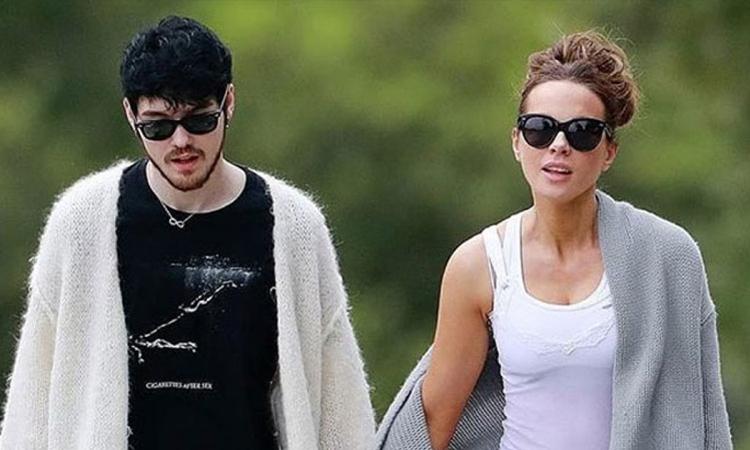 Kate Beckinsale lần đầu cùng bạn trai xuất hiện nơi công cộng hồi tháng 4. Ảnh: Backgrid.