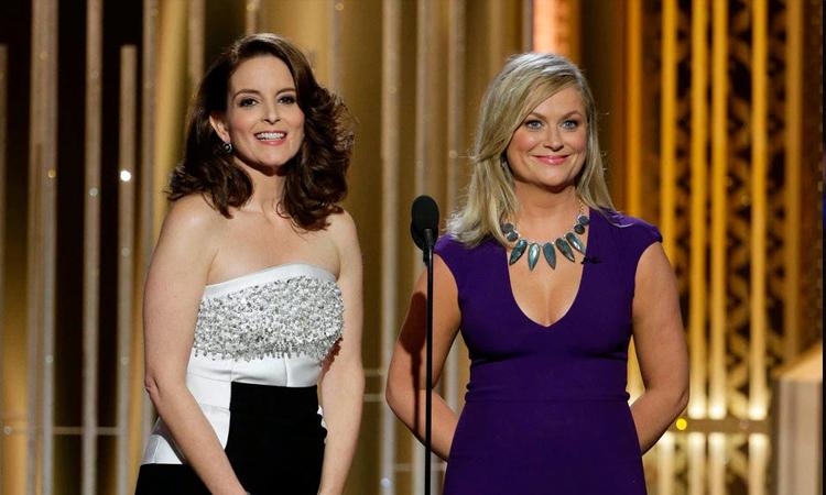 Tina Fey vàAmy Poehler sẽ dẫn chương trình Quả Cầu Vàng 2021. Ảnh: NBC.